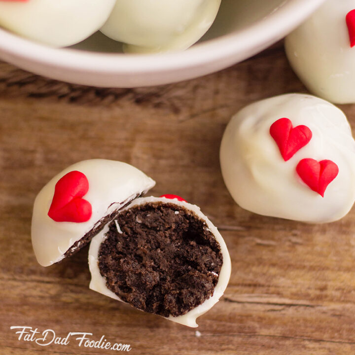 Oreo Cookie Balls for Valentines